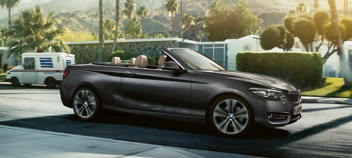 BMW 2er Cabrio, seitlicher Fahrschuss
