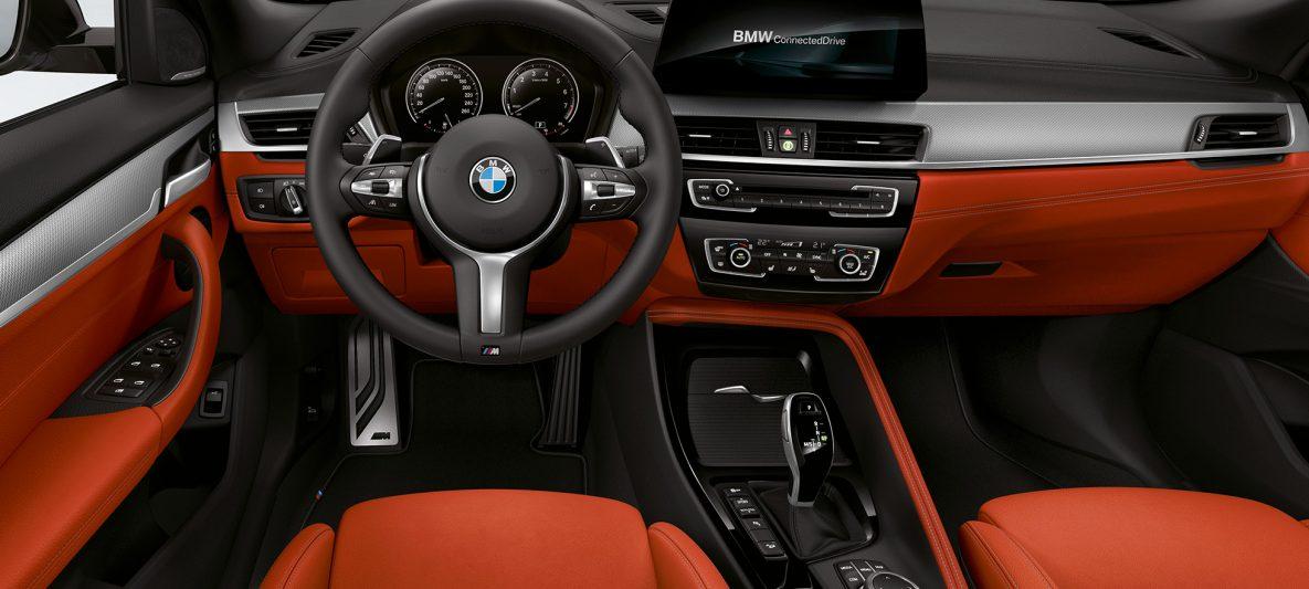 M Lederlenkrad BMW X2 M35i F39 Innenraum