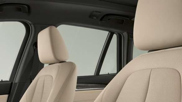 BMW X1 Sitze mit Leder 'Dakota' mit Perforierung | Oyster/Akzent Grau.